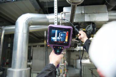 Compressed air leak detection with lEAKSHOOTER LKS1000 V2+